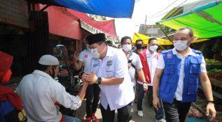 Calon Presiden dan Calon Walikota Makassar Blusukan Bareng di Pasar Pannampu