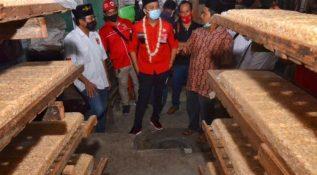 Giring Ganesha Blusukan ke Kampung Tempe Surabaya