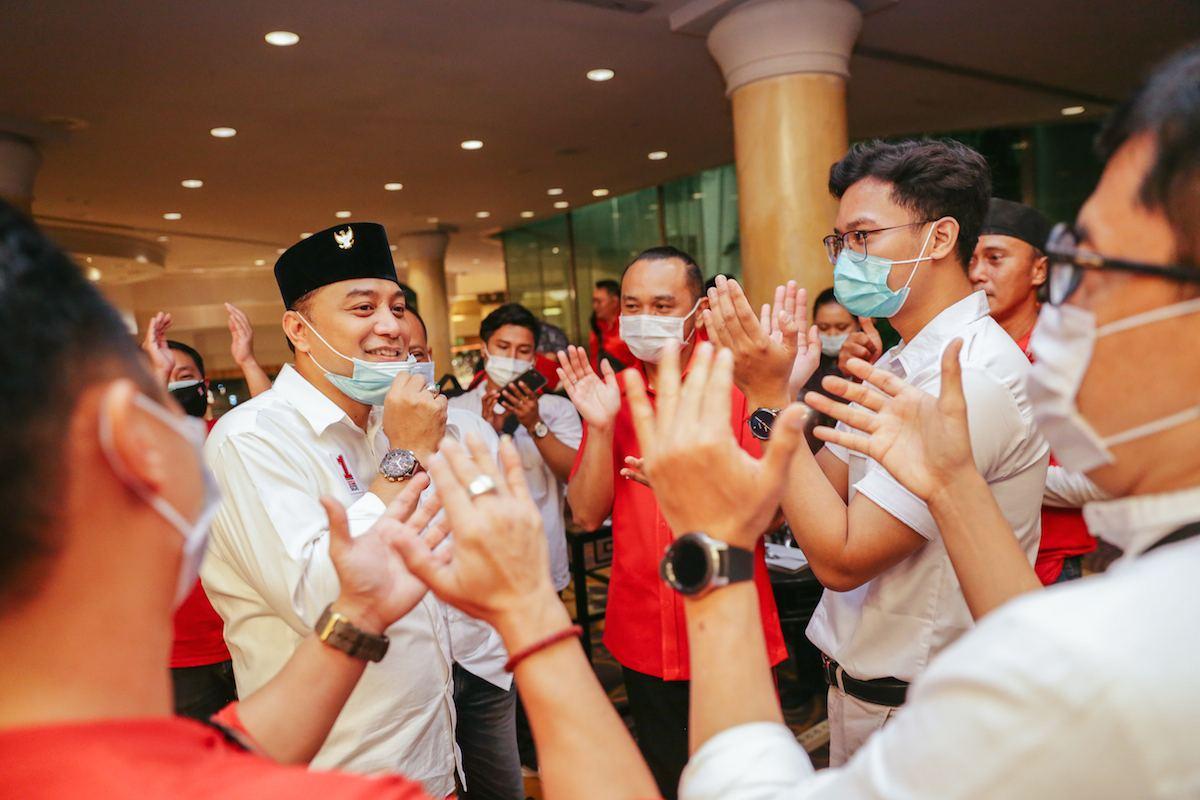 """Rayakan Kemenangan Eri Cahyadi-Armuji Kader PSI di Surabaya Kompak Teriak """"Eri, Eri, Eri!"""""""